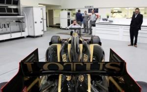 Lotus-Renault-R30-b