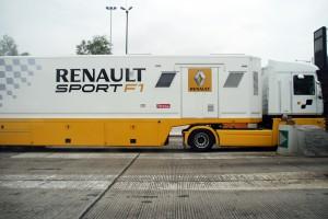 Renault_Sport_F1_Truck