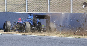 alonso barcelona test accidente